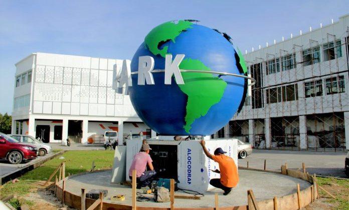 Teraju visits upcoming virtual park in Kota Samarahan
